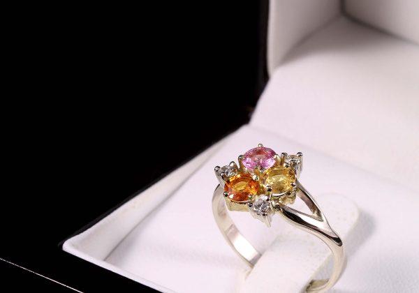 Zafír gyémánt arany gyűrű 1.082