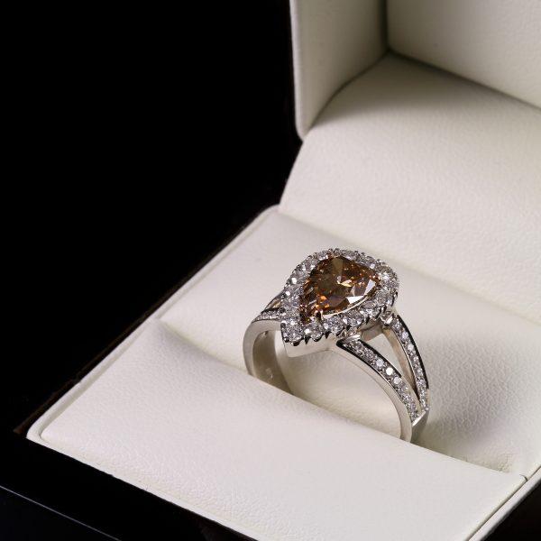Eljegyzési csepp gyémánt gyűrű 2.173 ct