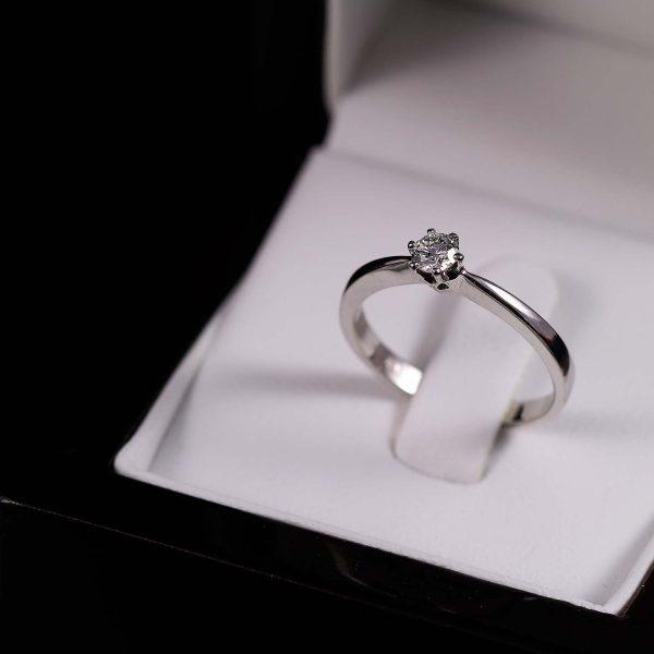 Eljegyzési gyémánt gyűrű 0.20 ct