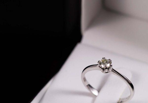 Eljegyzési gyémánt gyűrű 0.238 ct