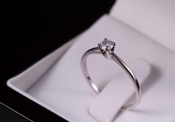 Eljegyzési gyémánt gyűrű 0.164 ct