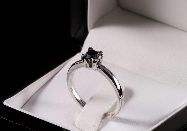 Eljegyzési gyémánt gyűrű 0.34