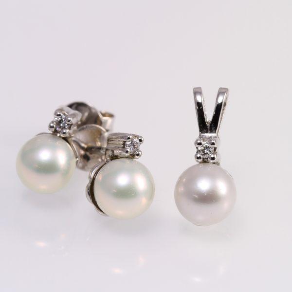 Gyémánt gyöngy garnitúra 0.054 ct