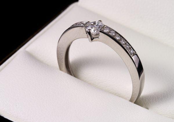 Eljegyzési gyémánt gyűrű 0.4 ct