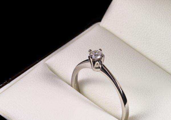 Eljegyzési gyémánt gyűrű 0.168 ct