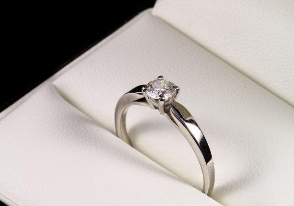Eljegyzési gyémánt gyűrű 0.284 ct