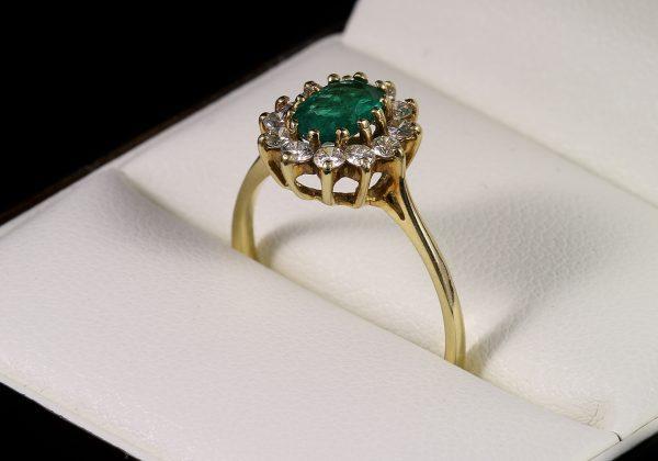 Eljegyzési gyémánt smaragd gyűrű 0.991 ct