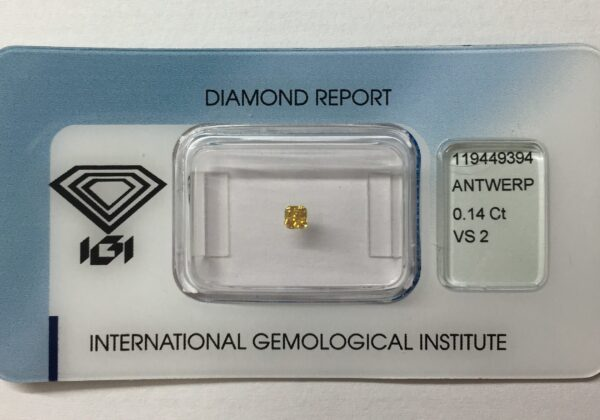 Természetes gyémánt IGI VS2 Fancy Yellowish Orange 0.14 ct