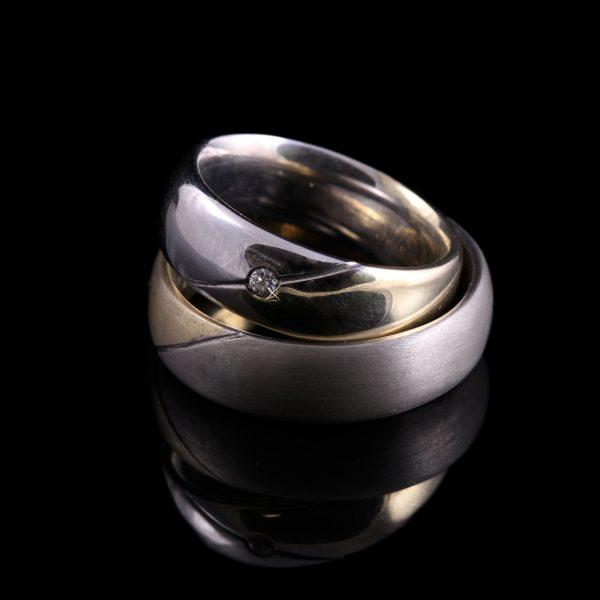 Gyémánt karikagyűrű 0.03 ct