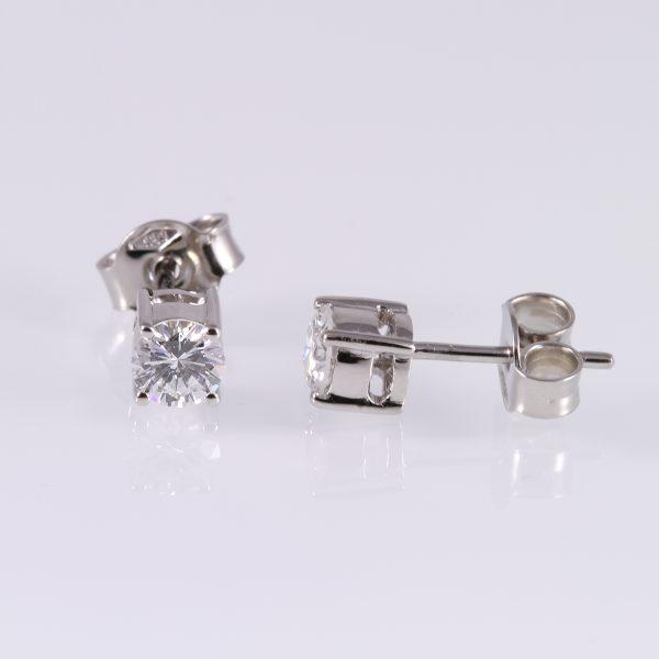Gyémánt fülbevaló 0.65 ct