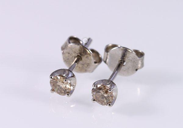 Gyémánt fülbevaló 0.298 ct