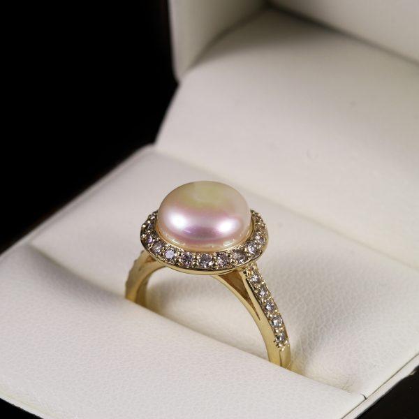 Gyöngy gyémánt arany gyűrű 0.472 ct