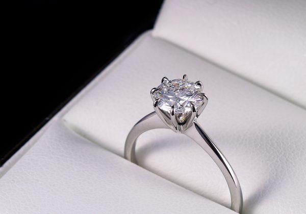 Eljegyzési gyémánt gyűrű 1.06 ct