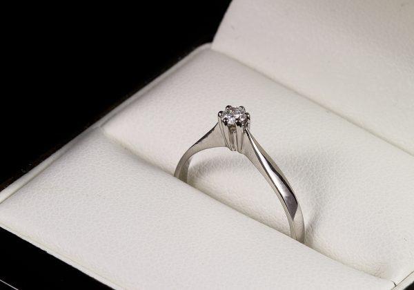 Eljegyzési gyémánt gyűrű 0.109 ct