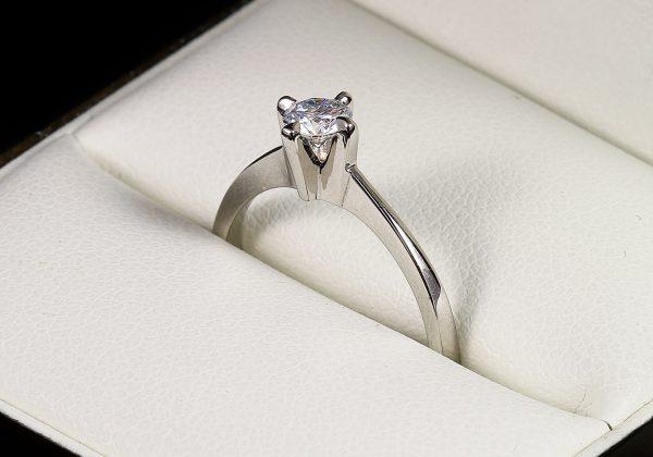 eljegyzési gyémánt gyűrű 0.255 ct