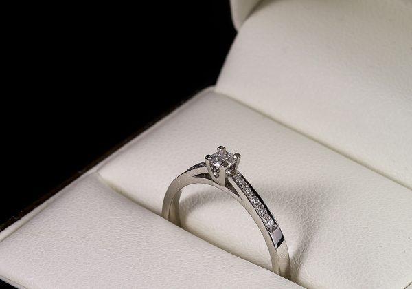 Eljegyzési gyémánt gyűrű 0.167 ct