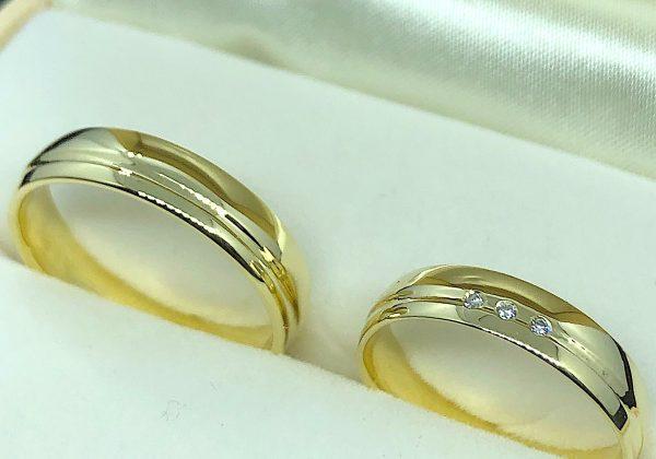 Gyémánt köves sárga arany karikagyűrű 0,03ct