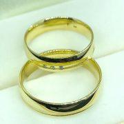 Gyémánt köves sárga arany karikagyűrű 0,03ct c