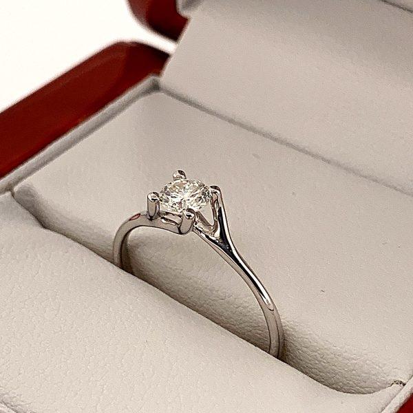 18K arany eljegyzési gyémánt gyűrű .382