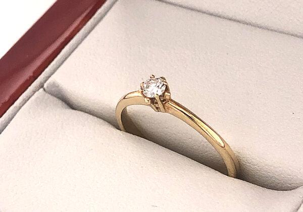 Sárga arany eljegyzési gyémánt gyűrű 0.125 ct