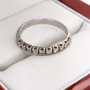 Félig körbe köves gyémánt gyűrű 0.3 ct d