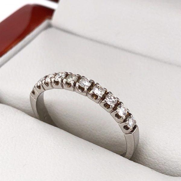 Félig körbe köves gyémánt gyűrű 0.3 ct
