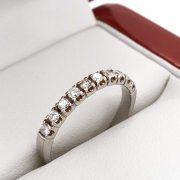 Félig körbe köves gyémánt gyűrű 0.3 ct v