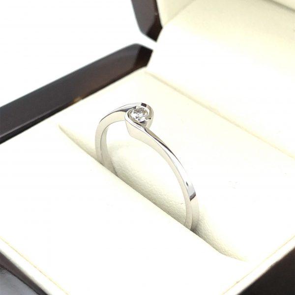 Eljegyzési gyémánt gyűrű 0.09ct