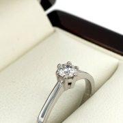 Fehér arany eljegyzési gyémánt gyűrű 0.233 ct x