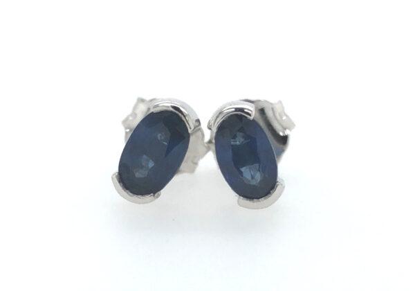 Ovális kék zafír fülbevaló 0.723 ct